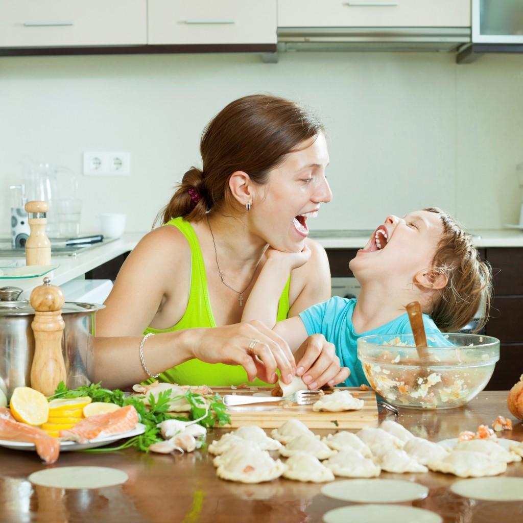 <p>Comment savoir si<br /> bébé mange assez ?</p>
