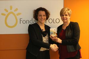 De gauche à droite, Élise Boyer, directrice générale de la Fondation OLO et Carole Boyer, vice-présidente, Affaires corporatives et communications de Duchesnay Inc.