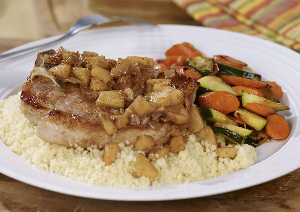 Fondation OLO | Recette | Côtelettes de porc aux pommes et cannelle