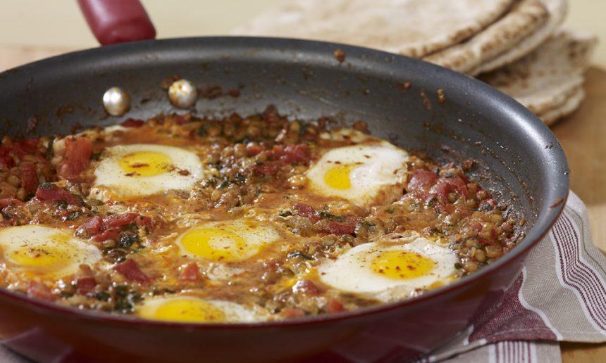 Fondation Olo | Recette | Oeufs sauce tomate (ou shakshuka aux lentilles)