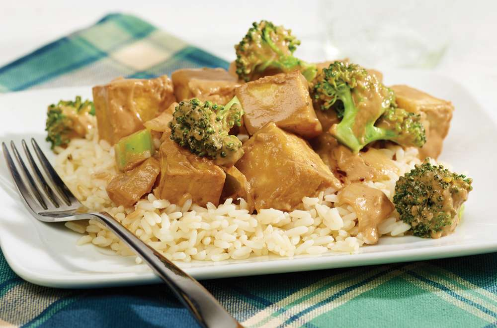 Fondation OLO | Recette | Sauté tofu arachide et brocoli