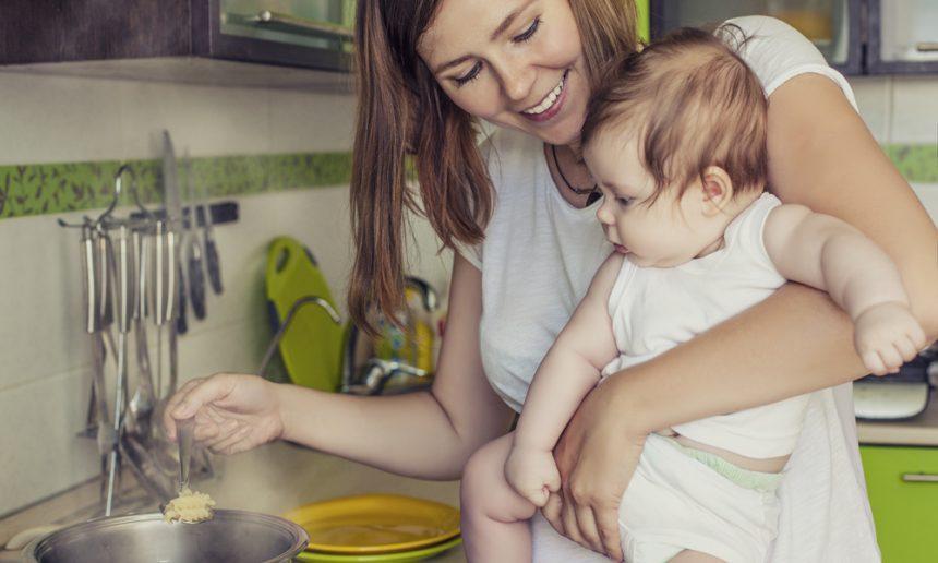 Cuisiner avec les enfants - Inviter bébé en cuisine | Fondation OLO