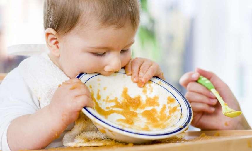 Fondation OLO | Comment savoir si bébé mange assez?