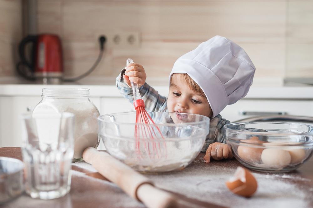 Fondation OLO | Enfant qui cuisine
